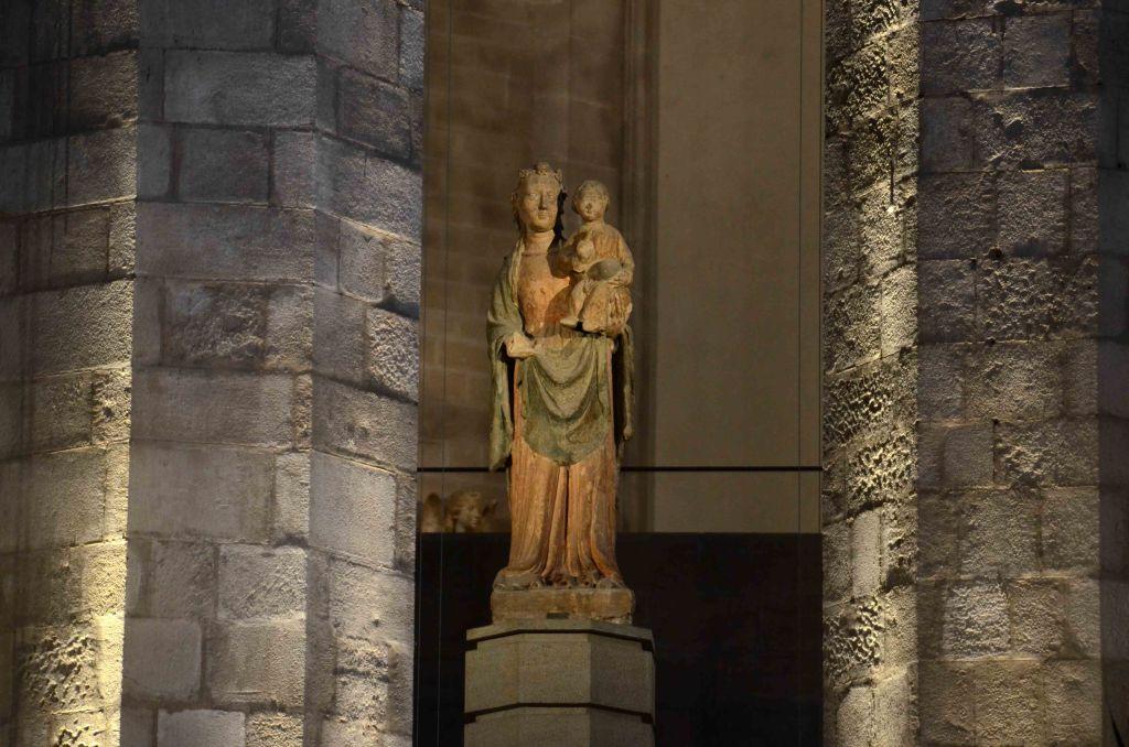 The Virgin Mary sculpture inside Santa Maria del Mar