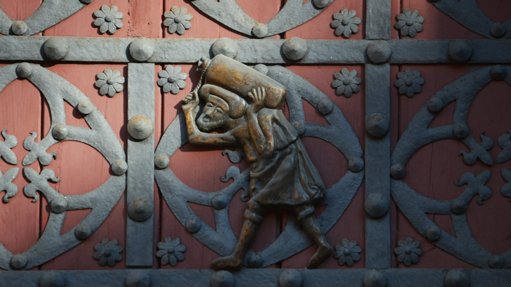 One of the wrought iron bastaixos on the main doors of Santa Maria del Mar