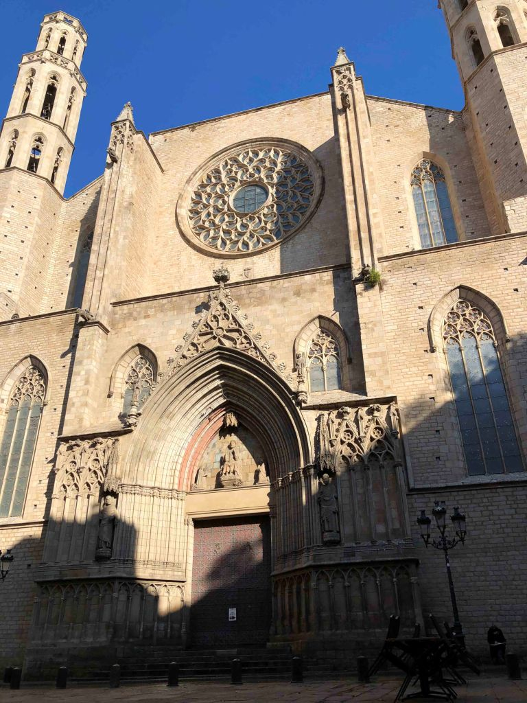 Facade of the main entrance side of Santa Maria del Mar